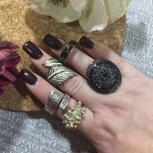 Jewelry - Group EUC Rings🙀